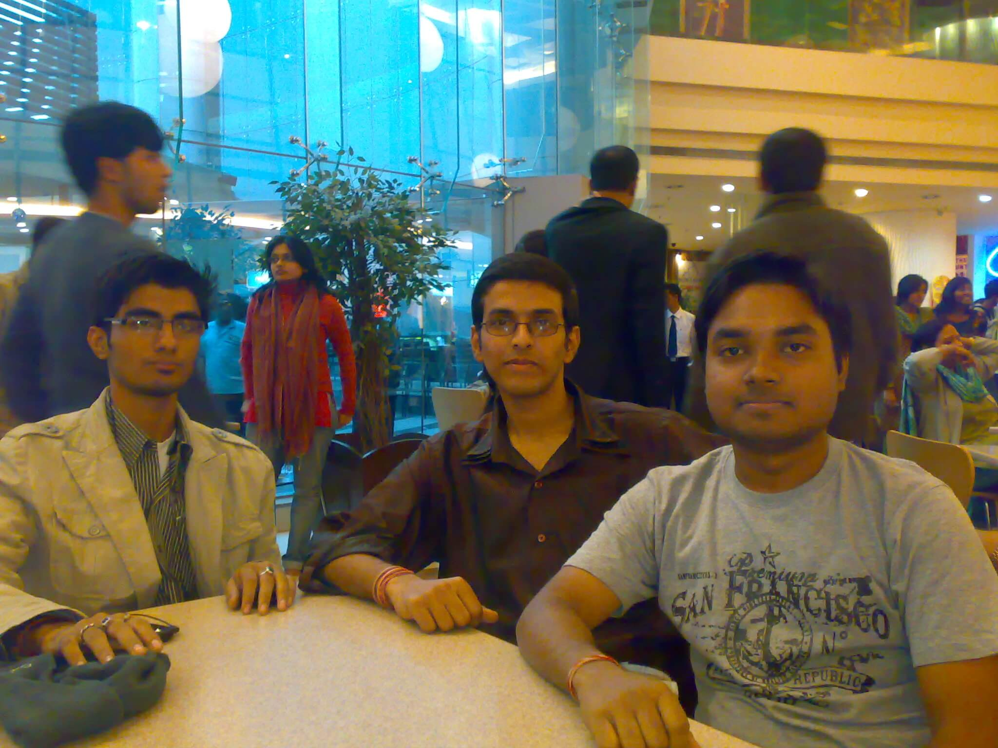31st December 2009, Kolkata Tweetup, Manisquare Mall Where I first met Anirban